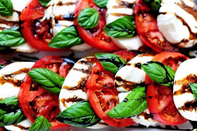 Салаты и закуски. Рецепты вкусных салатов.