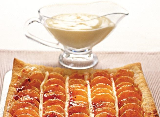 layer cake with tangerines