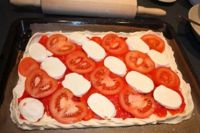 puff pie with tomato and mozzarella